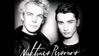 NAKTINĖS PERSONOS - Kai jausmai užvaldo širdį (acoustic guitar version)