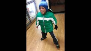 This lil dude in the bodega dancing