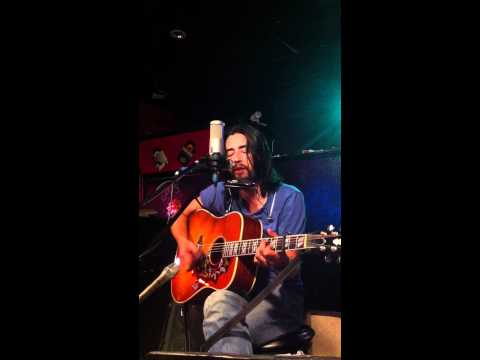jackie-greene-2010-09-12-fire-escape-set-29-down-in-the-valley-of-woemov-admlostsailor
