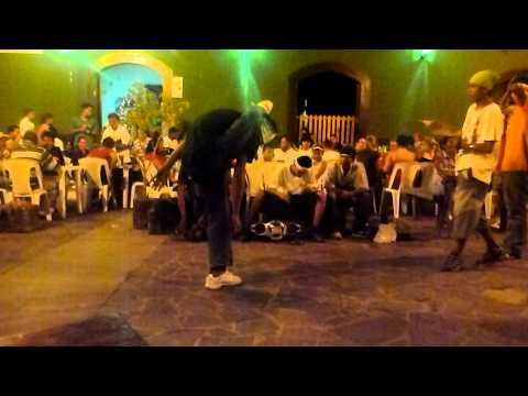 Breakdance in Granada, Nicaragua