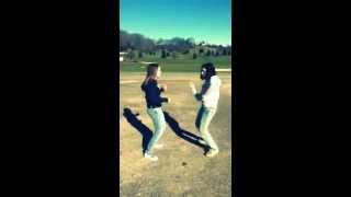 Mikaela & Sam dance to iYiYi - Cody Simpson