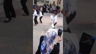 İrem derici evlenmene bak 23 Nisan gösterisi