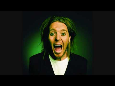 tim-minchin-shag-with-the-stereo-on-tannerwiry