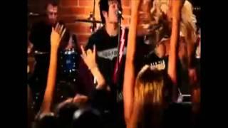 Sum 41 - No Reason (Music Video)