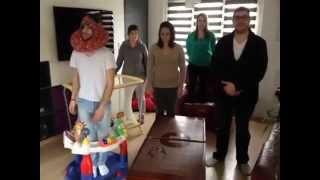La famille danse le harlem shake
