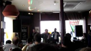 Hip Hop Karaoke - Camden Crawl 2010 .. Vanilla Ice - Ice Ice Baby