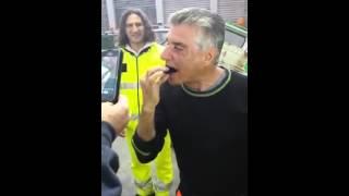 """A PALERMO """"FERDINANDO"""" SI MANGIA UN RICCIO INTERO!"""
