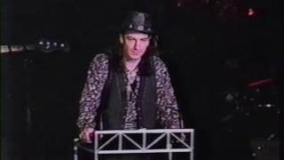 MTV News video: Bono inducts The Who into Rock Hall of Fame (1990)