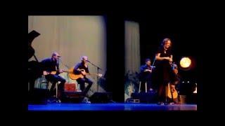 Anneke van Giersbergen & Árstíðir - Lost In You (De Harmonie Leeuwarden 20.03.2016) 2/4