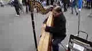Musica Llanera Venezolana de Arpa en Paris
