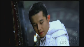 Melly Feat Amee - Ketika Cinta Bertasbih | Official Video