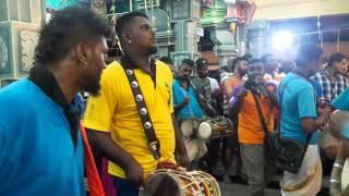 SRI MURUGAN URUMI MELAM - IPOH THAIPUSAM 2016 (MURUGAR SONG)