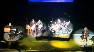 Metallica plays stairway to heaven at MusiCares