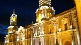 Catedral de AQP de noche.mp4