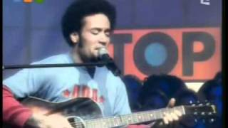 Ben Harper   She's only happy in the sun live acoustic at top of the pops 2003