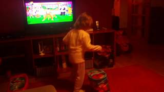 Os caricas - a dança da cadeira.