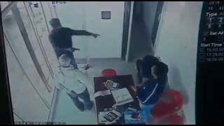 Live CCTV Footage Shera Kirar killed innocent guy for loot in Morena on 09/12/2014