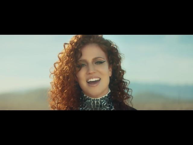 Videoclip oficial de 'Hold My Hand', de Jess Glynne.