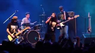 armandinho homenageia banda de rock triste mandando o dito cujo  ao vivo