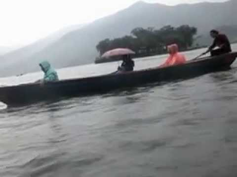 Boating at Fhewa Lake