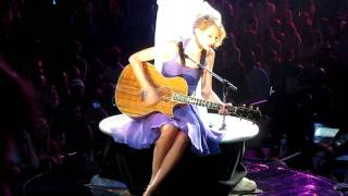 Taylor Swift - Animal (cover of Neon Trees) - Live in SLC, Utah