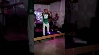 Banda É Sim De Verdade : Música  Quem É Essa Novinha - Espaço Bombordo 22/10/2016 Salvador BA