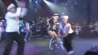 CHRISTINA AGUILERA HITTING THE 'CANDYMAN' NOTE - LIVE!