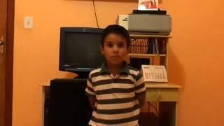 Rafael ensinando inglês, russo e planetas...