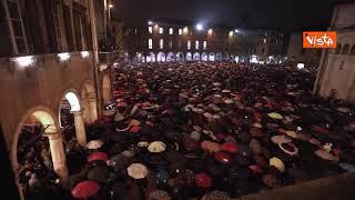 Le Sardine anti Salvini riempono la piazza anche a Modena dopo Bologna