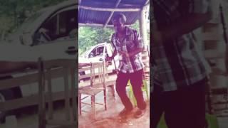 Romeo santos 2017 se cae bailando