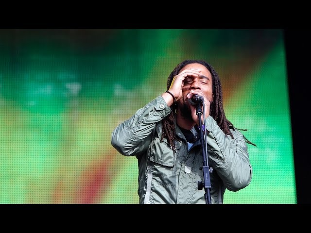 "Video de The Wailers en directo interpretando ""Is This Love"" en Glastonbury."
