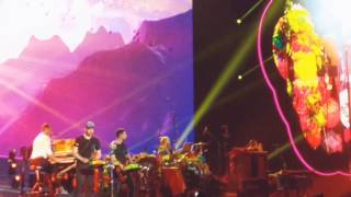 Coldplay - Hymn For The Weekend (Live in Singapore, March 31st 2017)