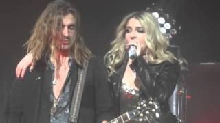 Ain't it Fun (Paramore Cover)- Rydel Lynch/R5- Chicago- 3/10/16