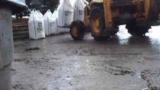 Nitrogen Fertilizer Delivery.JCB. Song