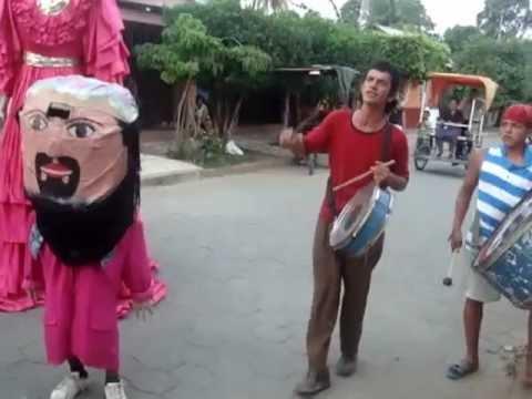 Gigantona en la ciudad de Rivas, Nicaragua