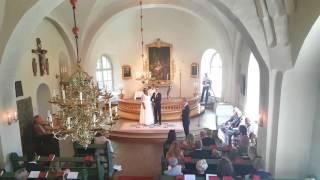 Sångerska Sara Karlsson - Av längtan till dig (vigsel 6 juli 2017, Södertälje)
