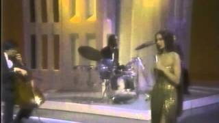 Crystal Gayle -  Ain't no love in the heart of the city