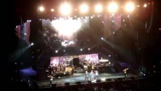"WHITNEY HOUSTON LIVE SYDNEY 2010 "" MILLION DOLLAR BILL"" ""IM EVERY WOMAN"""