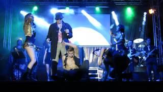 Svalutation: Tony Aglianò balla sulle note di un brano tratto dall'album di Adriano Celentano