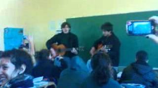 Un amigo es una luz ♪ cantado por brunito y andy!!.. :)