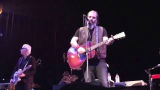 """Steve Earle & the Dukes feat. Chris Masterson """"Think It Over"""" (Town Hall NYC, 5 December 2016)"""