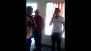Eduard y Josia, karaoke romeo ft don omar, ella y yo