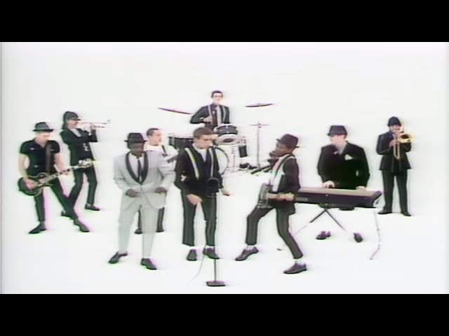 Video oficial de The Specials A Message to you Rudy