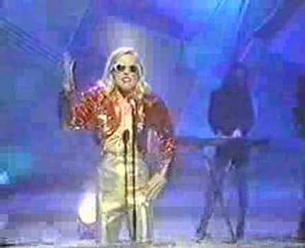 deborah-harry-i-want-that-man-1989-on-wogan-kevin-sibley