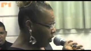 Deise (fat family) - Faz um milagre em mim (regis danese)   TV COGIC 3 - YouTube.flv