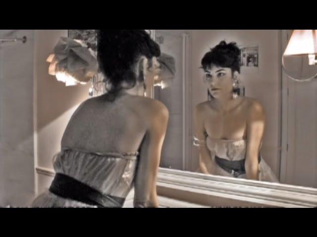 Videoclip oficial de la canción Los Amantes de Marta Tchai
