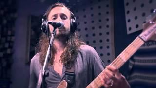 Barefoot Mountain - Junkie (Live at Blue Light Studio)