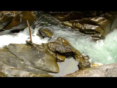 El Pailón del Diablo (Cascada de Rio Verde) – Baños, Ecuador 2.MOV