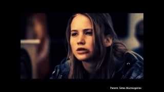 Historia de Peeta & Katniss en Sinsajo {10 minutos espectaculares :)} width=