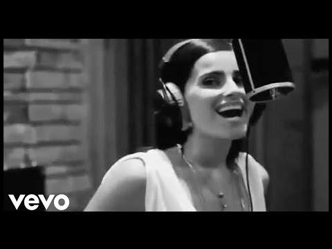 nelly-furtado-como-lluvia-ft-juan-luis-guerra-official-video-nellyfurtado-ar
